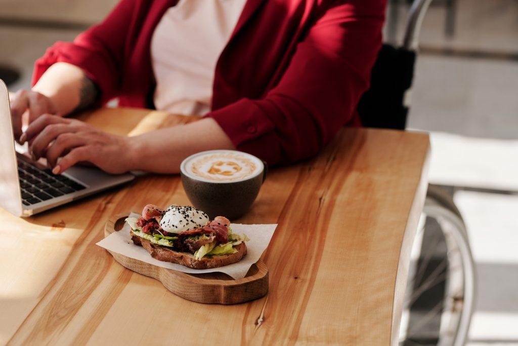 Cómo deducir los gastos de comidas si soy autónomo